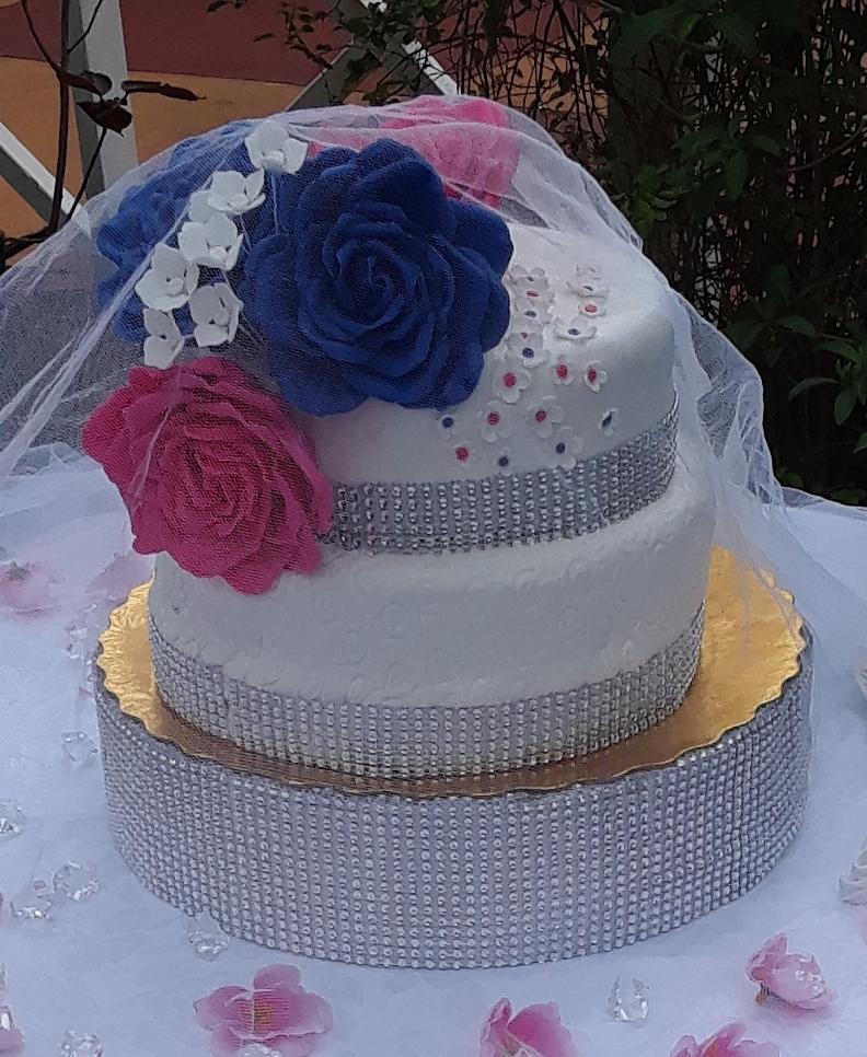 Gluten free wedding cake.