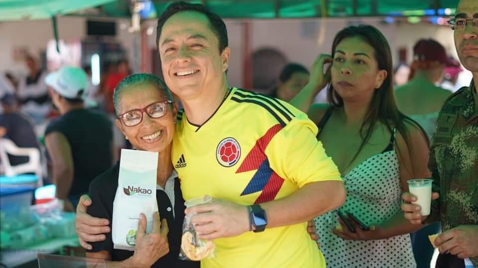 Reconocimiento del Alcalde de Yopal Leonardo Puentes en feria realizada.