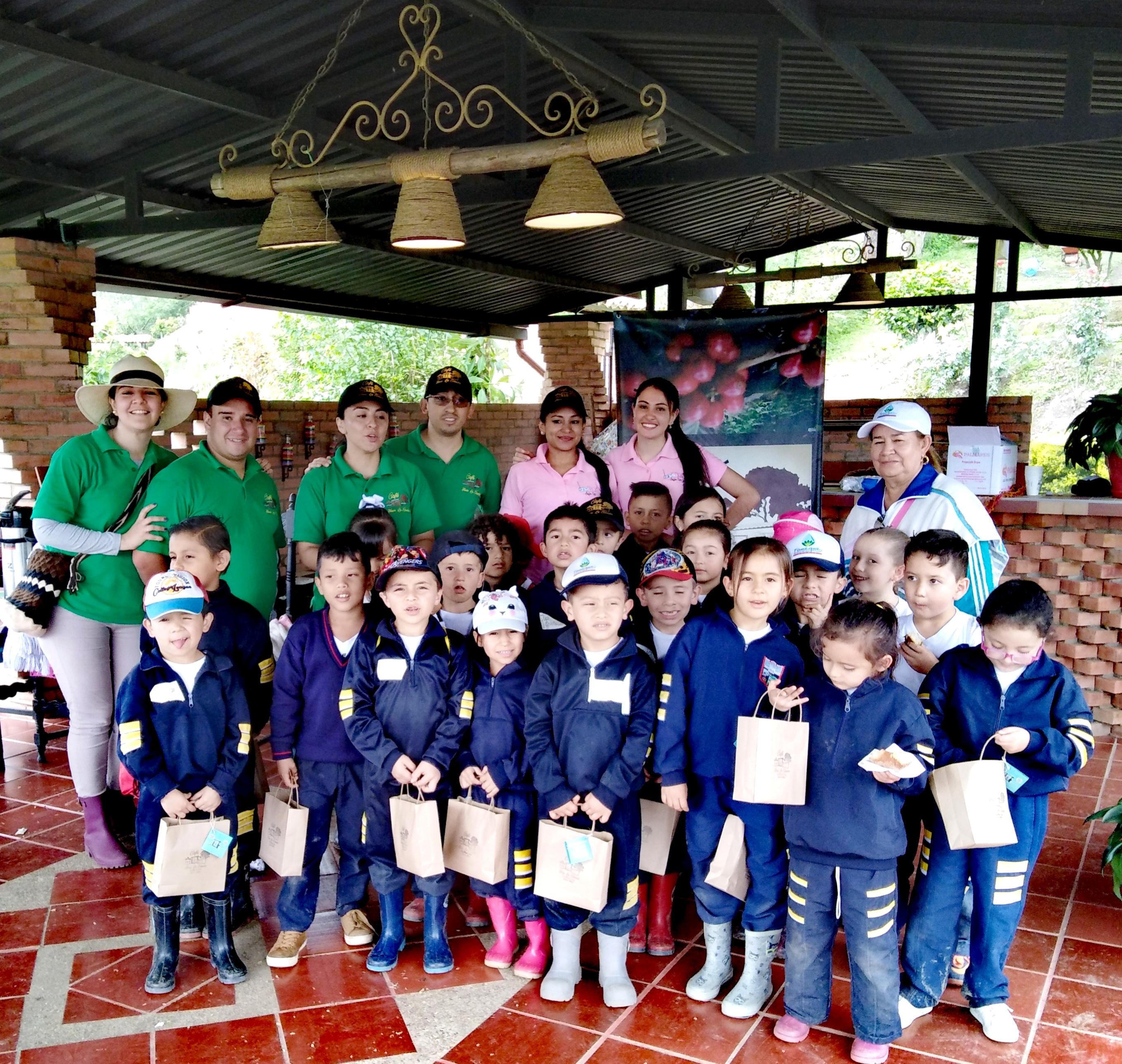 Proyecto de responsabilidad social empresarial, Educando a los niños en el mundo del café para conservar nuestras tradiciones.