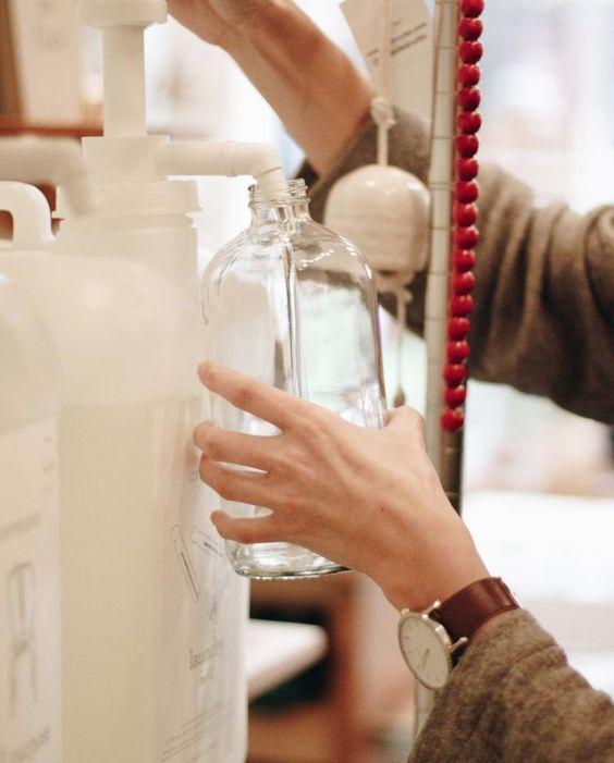 No olvides reutilizar los envases que tengas en casa, los podras usar en todos nuestros productos